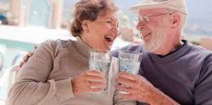 ancianos-agua[1]